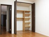 新築二世帯住宅 洋室収納
