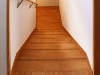 新築二世帯住宅 階段